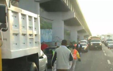 Accidente en autopista México-Puebla retrasa tráfico