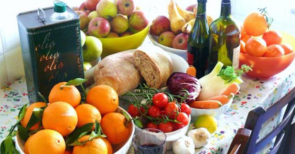 investigación dieta mediterránea beneficia a personas niveles de ingresos altos