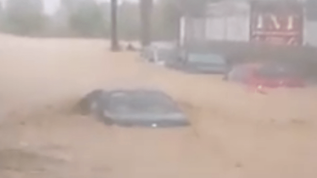 Lidia toca tierra en Los Cabos: inundaciones