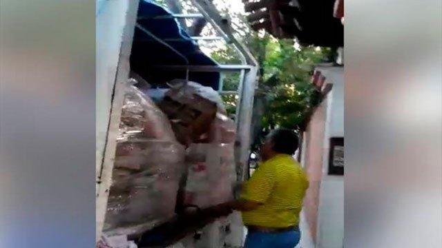 juchitán robo, damnificados, sismo, oaxaca, funcionario, víveres, despensas