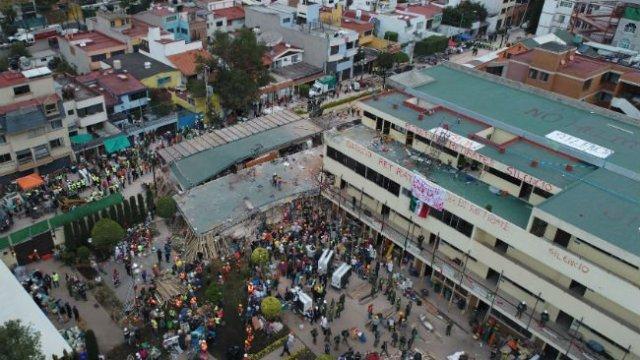 Rescate en Rebsamen sigue en curso