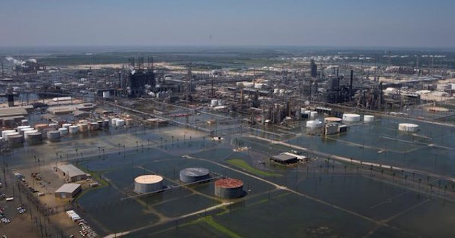 Texas Harvey refinerías