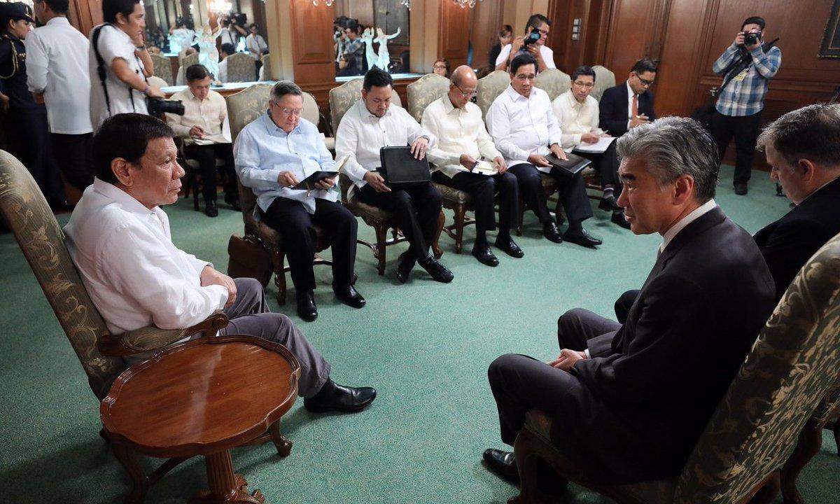 Duterte expulsa embajadores de UE porque YOLO
