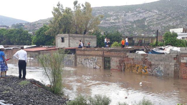 Torreón se inunda tras tromba de 10 minutos