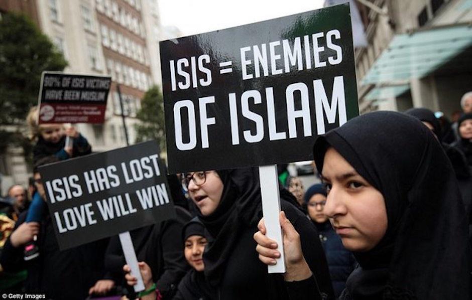 Musulmanes marchan en Londres contra ISIS