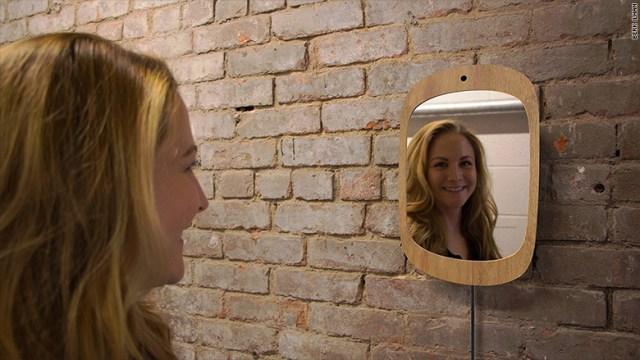 Smile-Mirror, el espejo que forza a los enfermos a sonreír