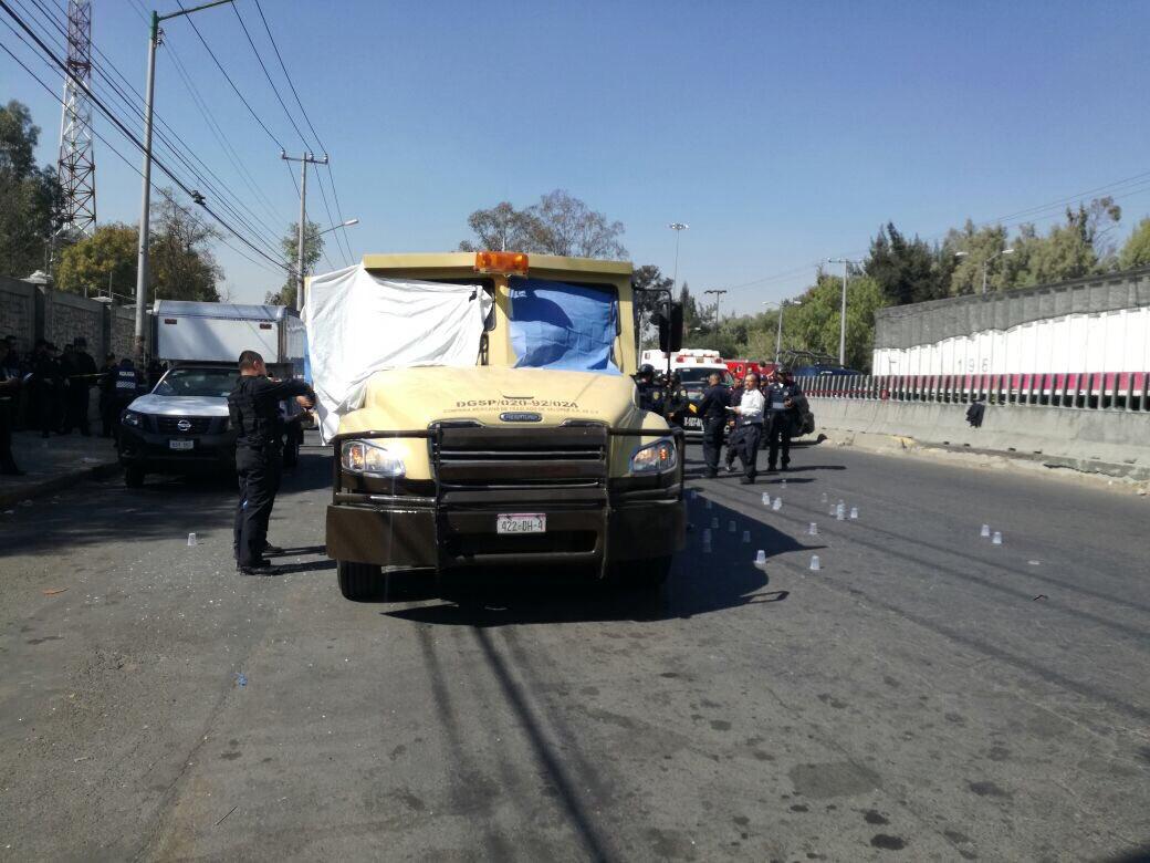 Asesinan a custodios durante intento de asalto a camioneta de valores