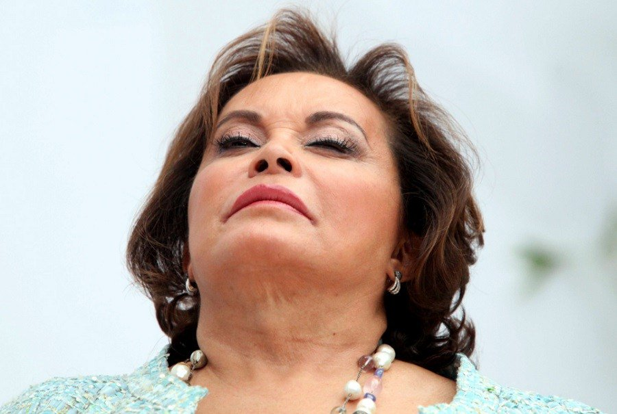 Elba Esther le quita brazalete electrónico; ¿será por Meade?