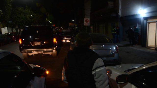David Alvarado llegando a la Fiscalía donde está el niño