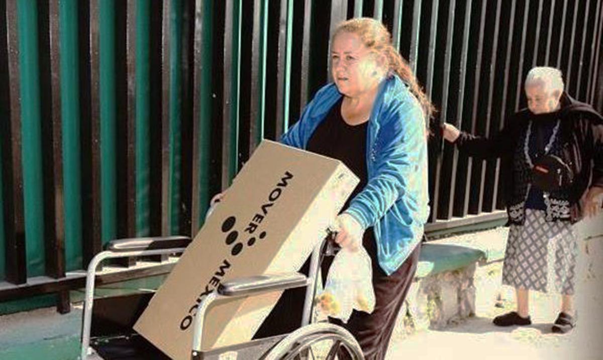 Empresa que regalaba teles para 'Mover a México', ahora las vende con la leyenda oculta