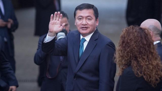 Inteligencia mexicana nunca espió a activistas y hasta le salvó la vida a políticos: Osorio Chong