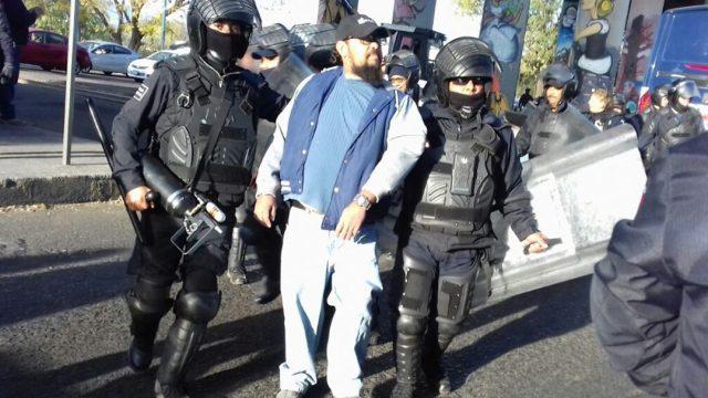 Detenidos 26 maestros de la CNTE por bloquear vías en Michoacán
