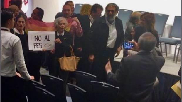 Simpatizantes de Morena protestan alianza con PES