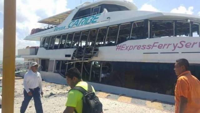 explota ferry playa del carmen