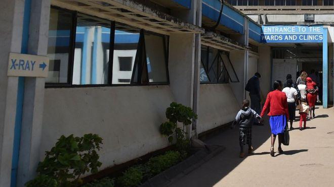 Hospital en Kenia hizo operación cerebral... a paciente que no necesitaba