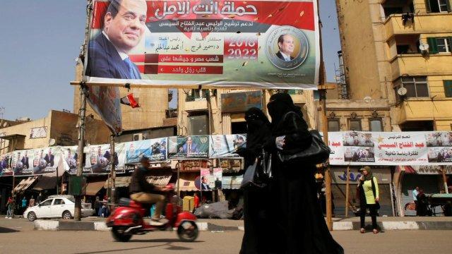 Sin competencia y entre represión, Al-sisi gana reeleección