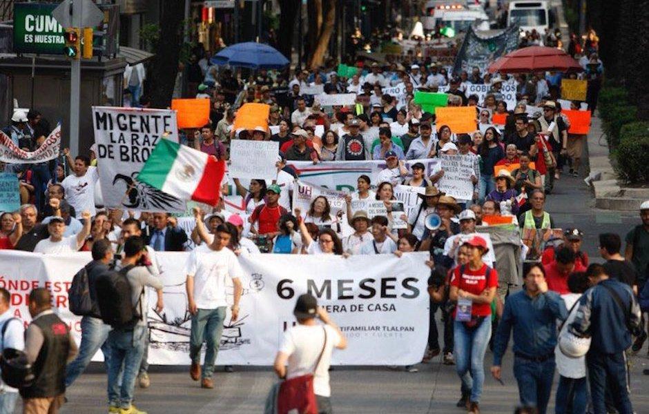 Damnificados de 19S marchan al Ángel de la Independencia