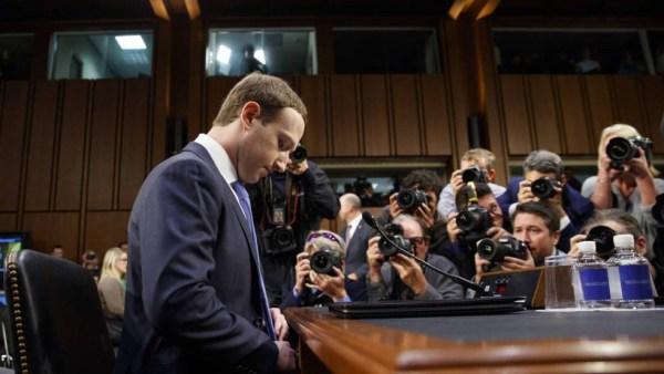 zuckerberg facebook congreso privacidad cienci ficción