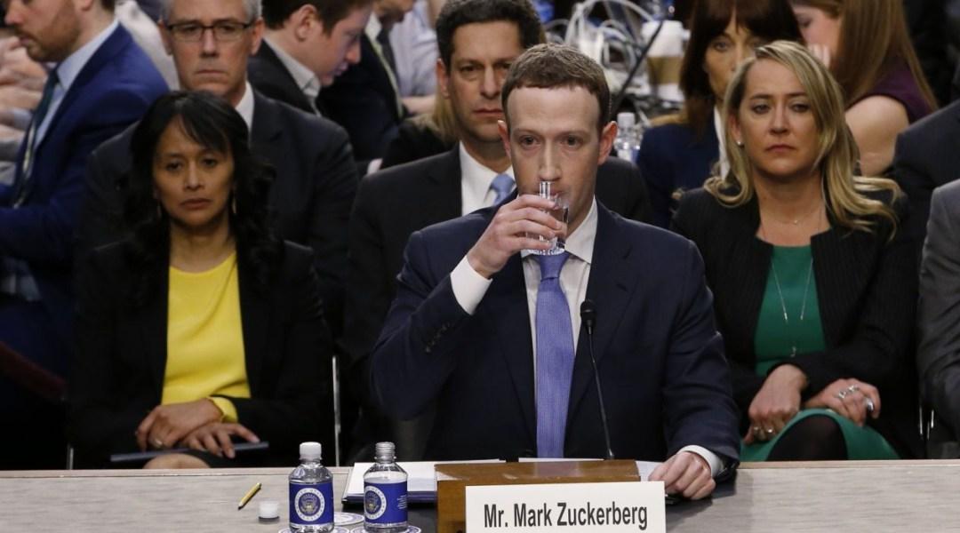 Zuckerberg Facebook Congreso Distopia Ciencia Ficción Asimov