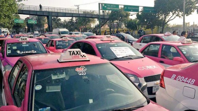 Taxistas de CDMX protestan por tablets