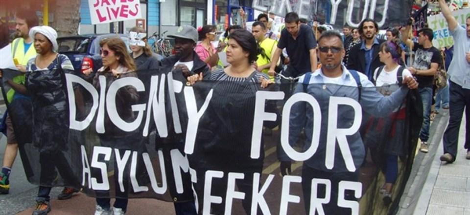 Buscadores de asilo en distintas partes del mundo exigen trato digno