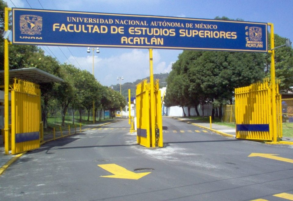 Entrada de la FES Acatlán, donde han ocurrido ataques a alumnos