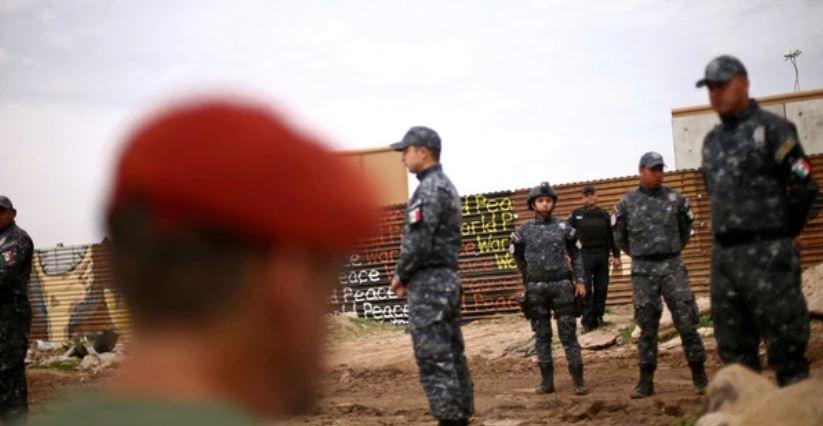 México reforzará frontera sur con Gendarmería luego de caravana migrante