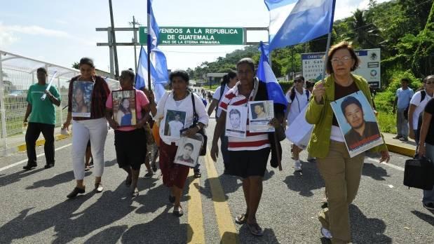 Madres de migrantes desaparecidos en caravana por México