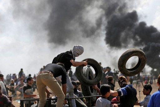 Palestinos organizando defensa contra ejército israelí