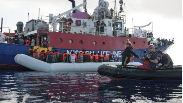 Unión Europea aprueba 'campos de concentración' migrantes