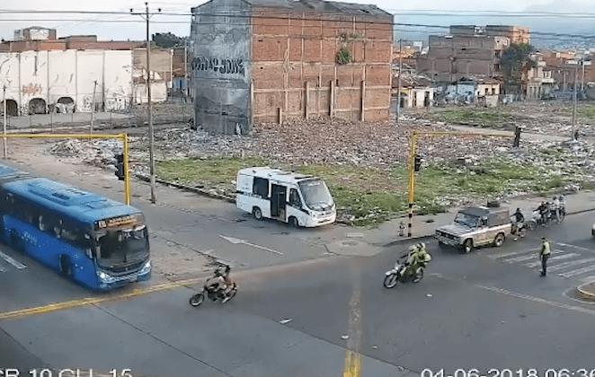 Cali Colombia Ladrones Motocicleta Autobús Arrollados
