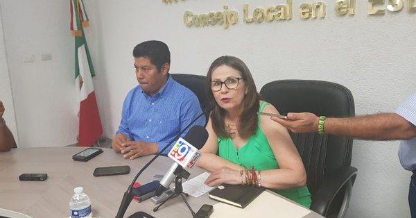 Consejera presidenta del IEPCT informando robo de actas