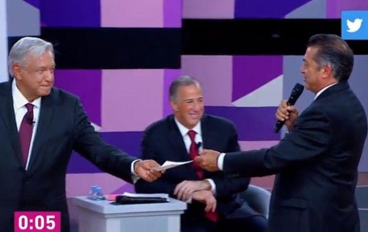 INE dice que ya nada de abrazarse en debate