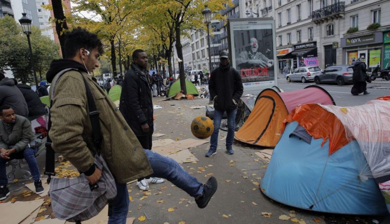 Human Rights Watch y los menores migrantes en París