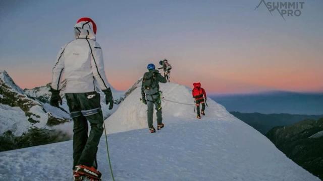 Mueren dos alpinistas mexicanos en los Andes de Perú
