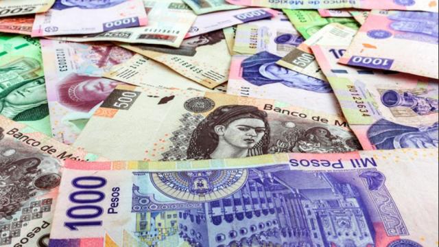 AMLO impulsará reducción de uso de dinero en efectivo