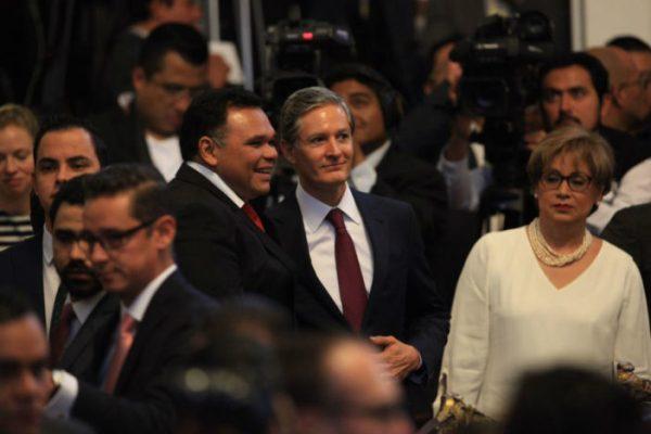 Del Mazo y el Congreso mexiquense aprobaron deuda
