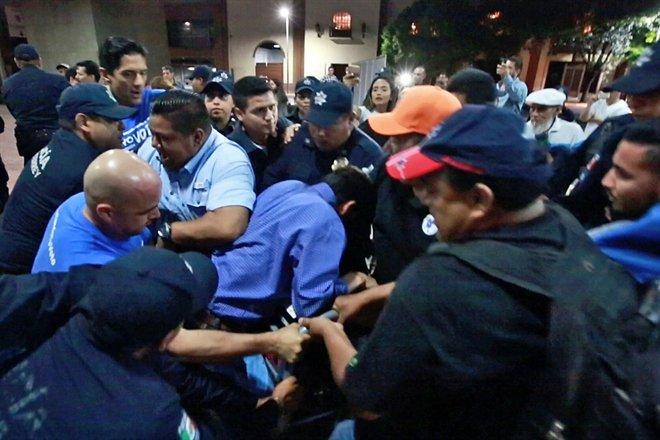 6 panistas detenidos en Monterrey tras pelea con policías