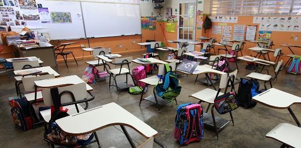 Escuela retiene papeles de sus hijos 'por falta de pago'