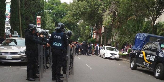 Policía desaloja un predio en la colonia Juárez