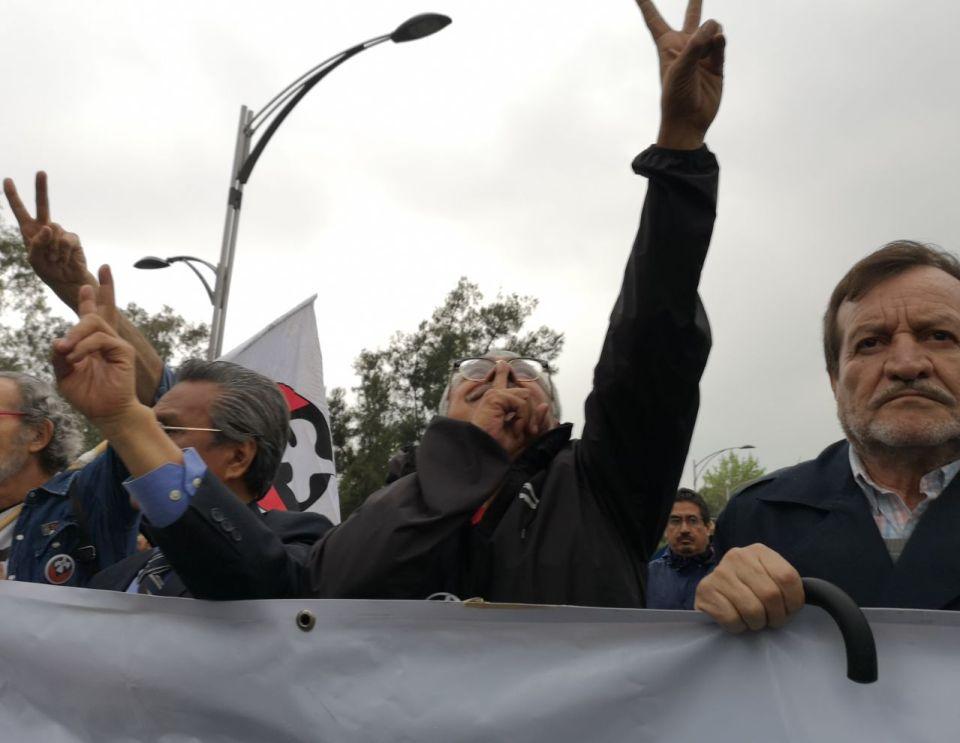 Contingente de estudiantes del 68 en la Marcha del Silencio