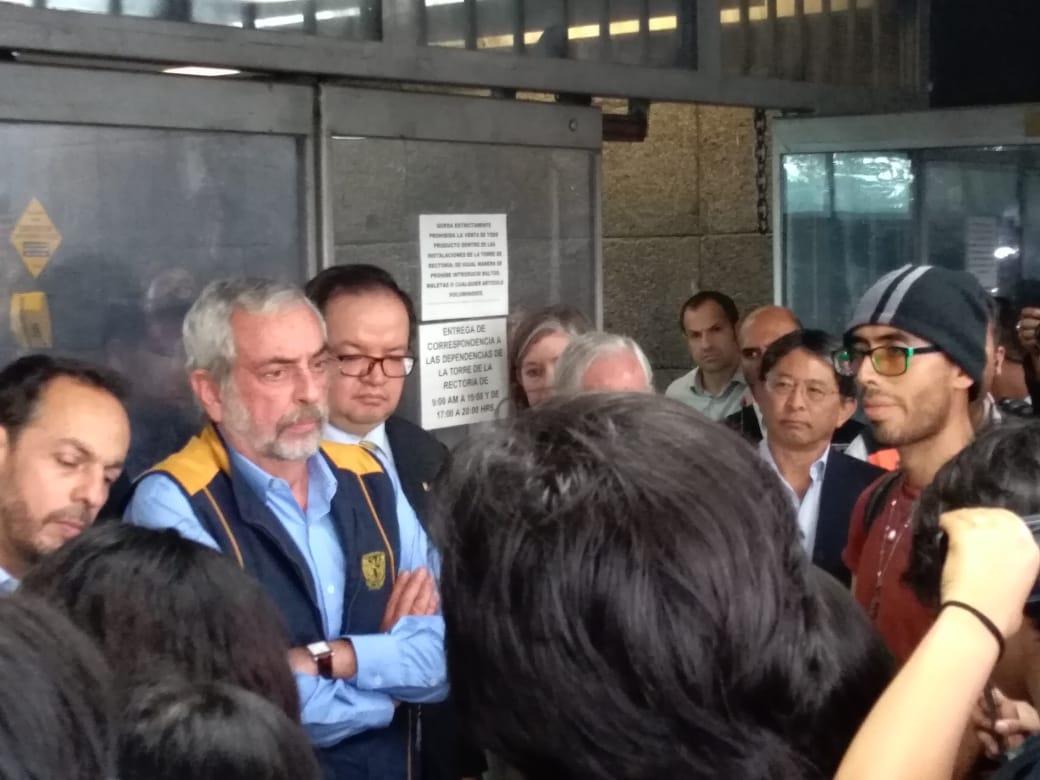 Graue regresa a CU para recibir pliego petitorio de estudiantes