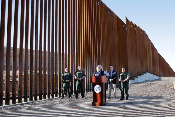 Proponen impuesto al porno para pagar el muro de Trump