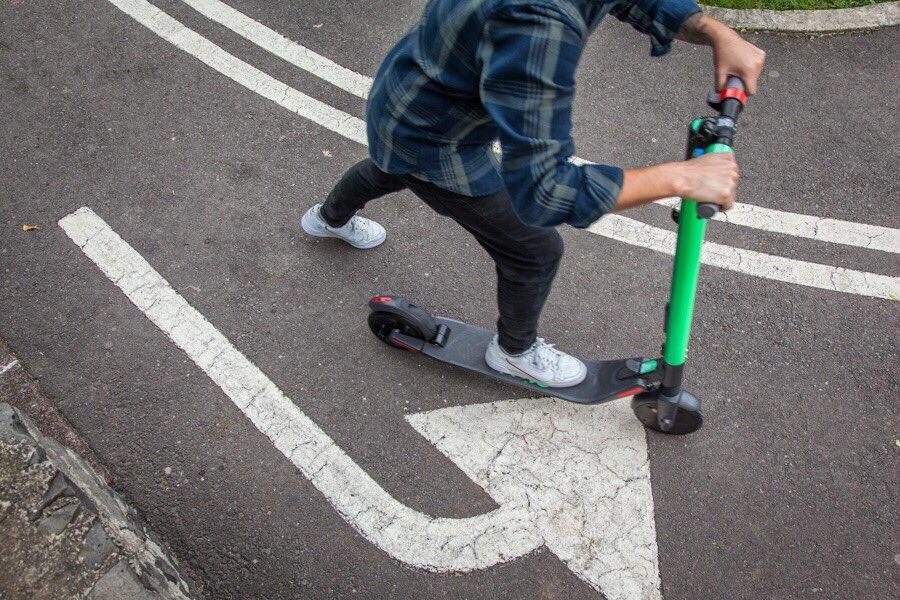 Scooters y bicis en CDMX: permisos temporales y ningún reglamento