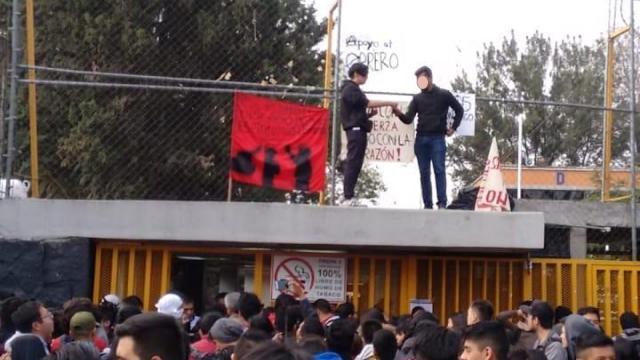 Alumnos de Prepa 5 toman instalaciones en apoyo a huelga de UAM