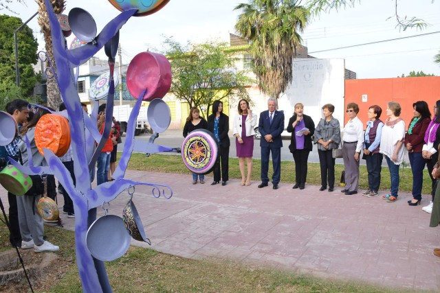 Antimonumento Torreón, Torreón, árbol de sartenes, Plaza de la mujer, Alcalde, Día de la mujer,