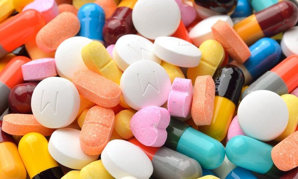 Investigan a profesor por enseñar a fabricar drogas