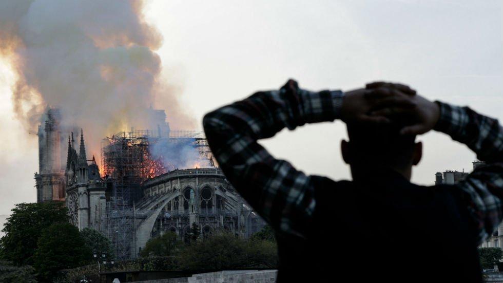 Reacción ante el incendio de Notre Dame. Imagen:twitter.