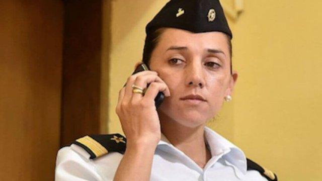 Militar pide permiso para amamantar y la encarcelan