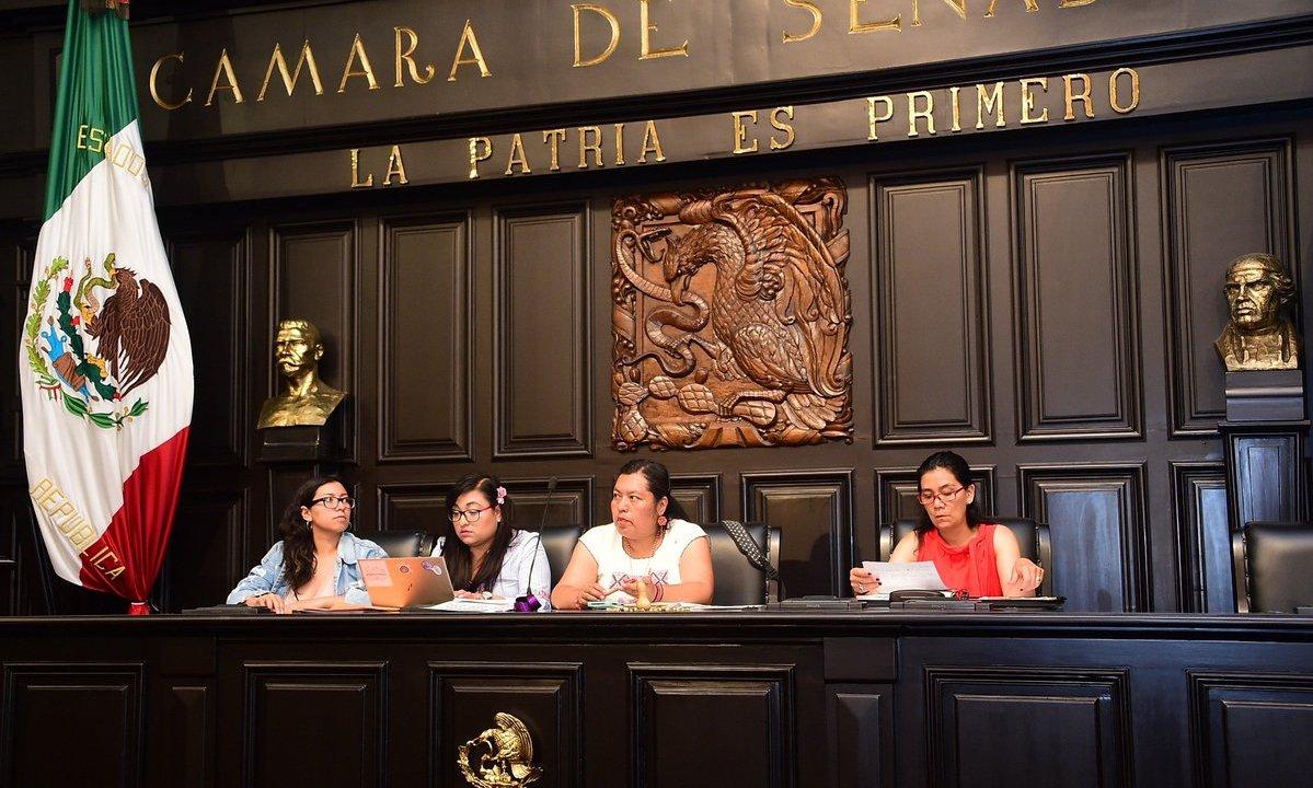 Primer Parlamento de Mujeres